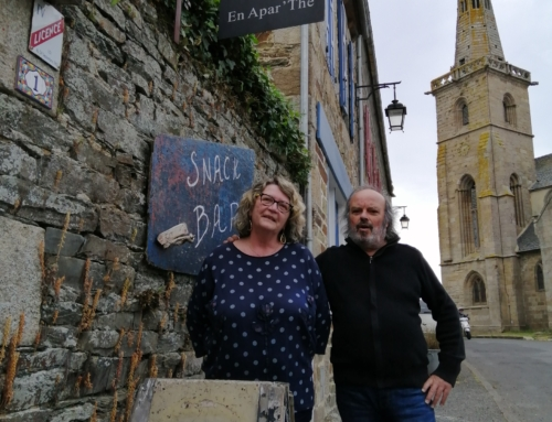 Salon de Thé-Bar-Brocante – En Apar'thé à La Roche-Derrien